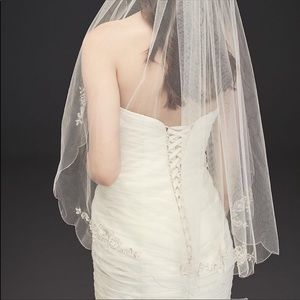 Scalloped Edge Veil with Bead and Crystal Motif